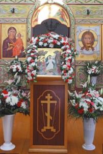 Главный престол освящен во имя Успения Божией Матери
